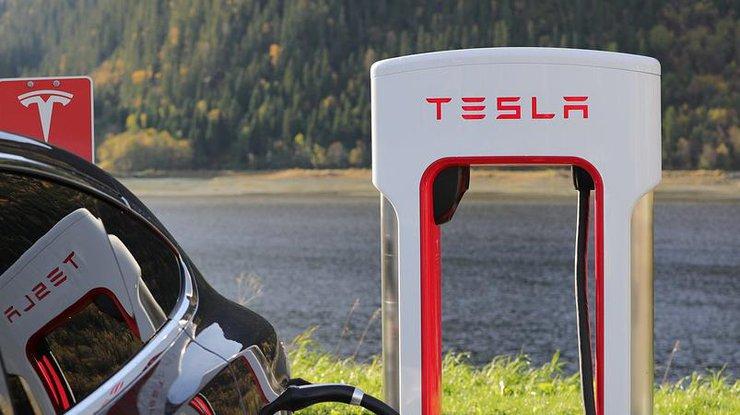 Сотрудники Tesla массово бегут работать в Apple