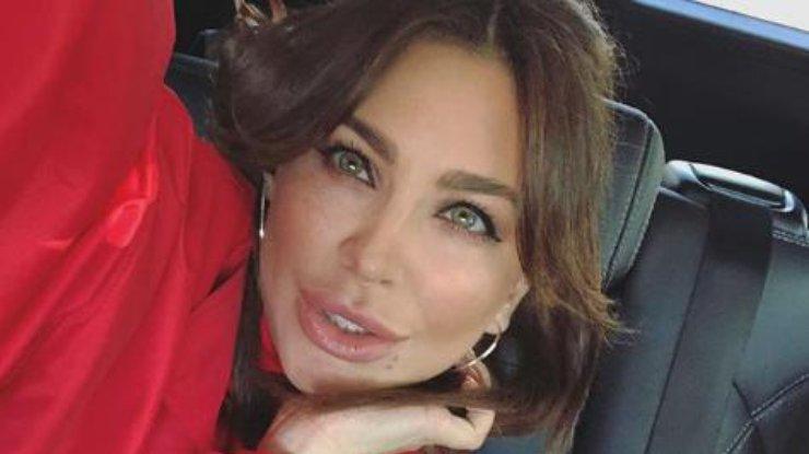 Больше ботокса: Ани Лорак сравнили с подругой мужа (фото)