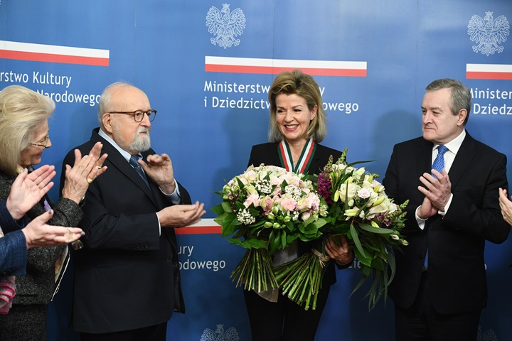 German violinist Anne-Sophie Mutter awarded Gloria Artis gold medal