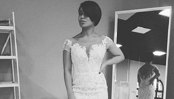 Известная украинская певица показала фото в свадебном платье
