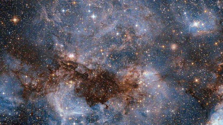 NASA показало полет сквозь туманность Ориона (видео)
