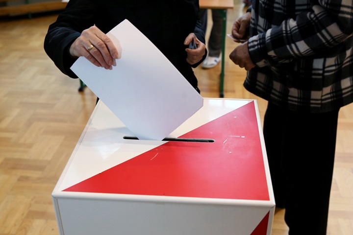 Poland to hold local elections on October 21