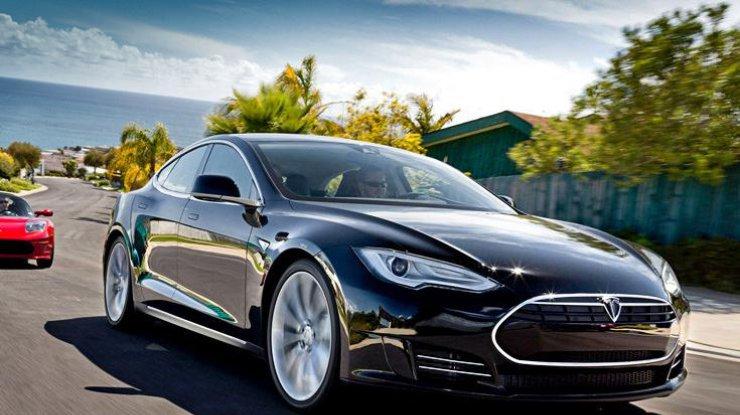 Электромобиль Tesla установил новый рекорд