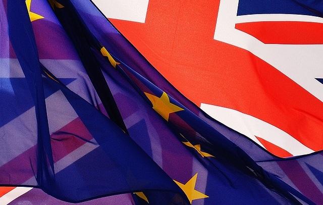 Европарламент поддержал переход ко второму этапу переговоров по «брекситу»