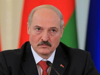 Lukashenko offers help in organizing humanitarian convoys to Donbas