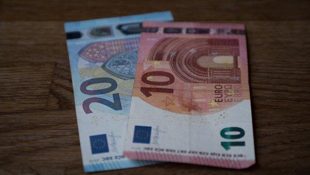 Курс валют на 19 вересня: долар та євро зросли
