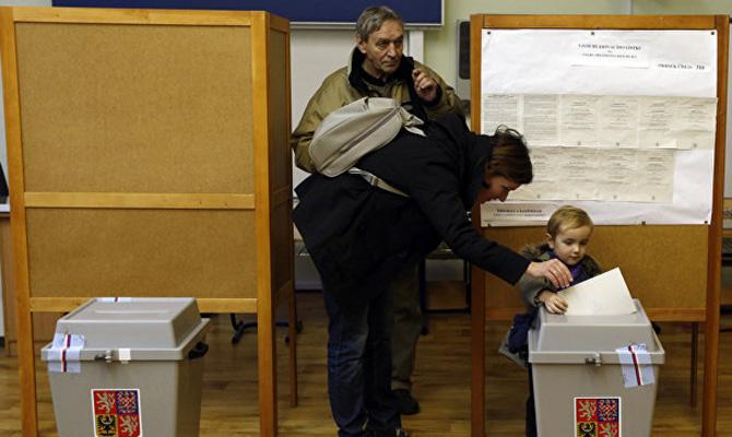 В Чехии закрылись избирательные участки, явка составила 60 процентов