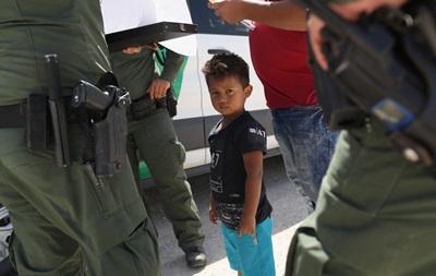 Скандал в США. Зачем у нелегалов отбирают детей