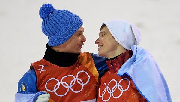 Объятия украинца Абраменко с российским спортсменом вызвали бурю чувств в сети