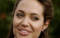 Анджелина Джоли продемонстрировала высший пилотаж (видео)
