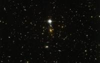 Хаббл показал несколько десятков галактик на одном снимке