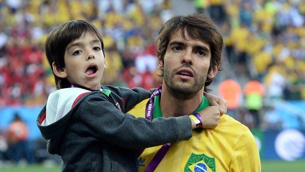 Легендарный бразильский футболист объявил о завершении карьеры