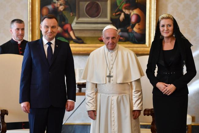 Папа Франциск прийняв на аудієнції польську президентську пару