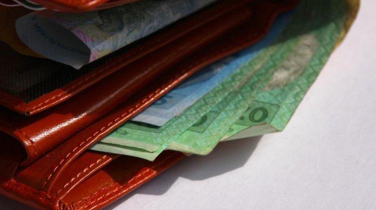 Минимальная зарплата в Украине снова вырастет: названа дата