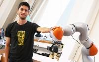 Инженеры научили робота различать предметы