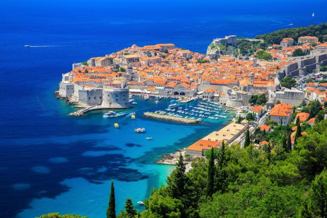 Хорватский Дубровник ограничил количество туристов в борьбе с перенаселенностью