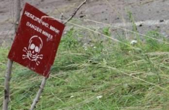 В зоне проведения АТО на собственных минных заграждениях подорвалось двое российских военных, один погиб