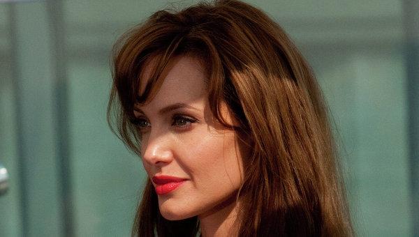 Джоли рассказала, воспринимает ли грядущую старость