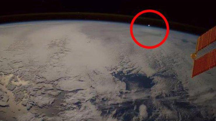 Астронавт с борта МКС словил НЛО (видео)