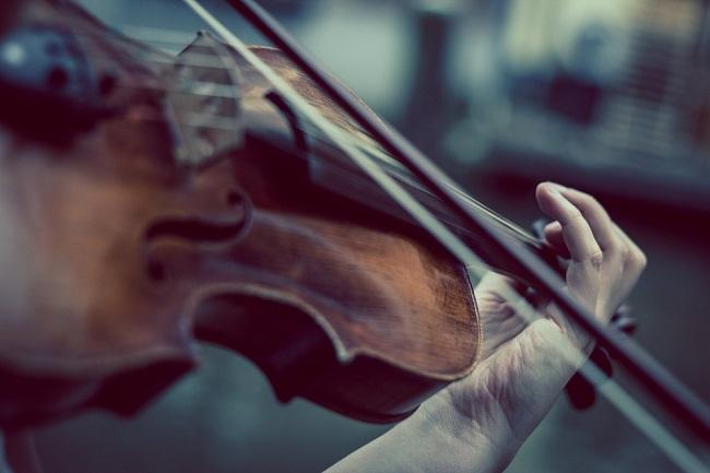 Rare Stradivarius violin on show at Royal Castle in Warsaw
