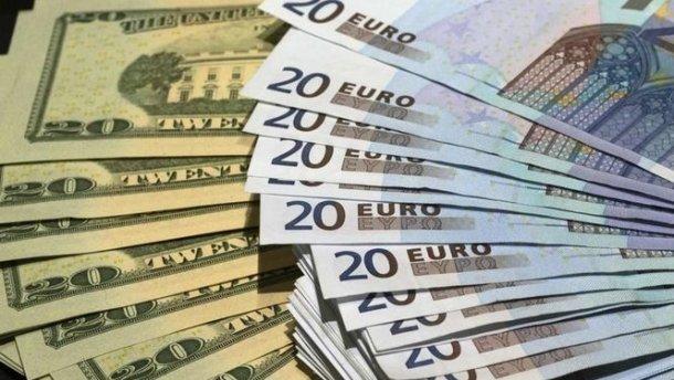 Готівковий курс валют 14 серпня: євро і долар підскочили ще більше