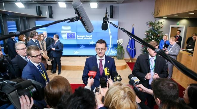 Моравєцький: Позицію Польщі щодо біженців все більше розуміють у Брюсселі