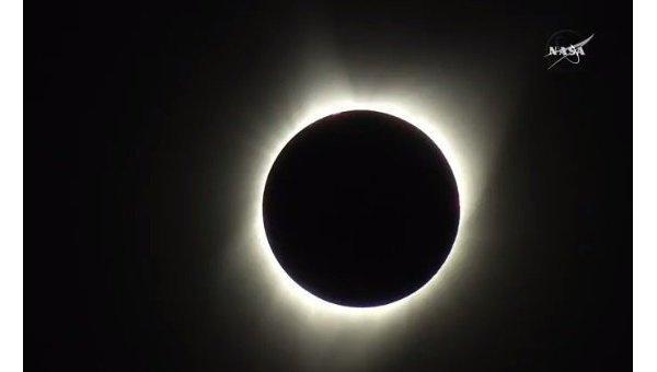 Великое солнечное затмение началось в США