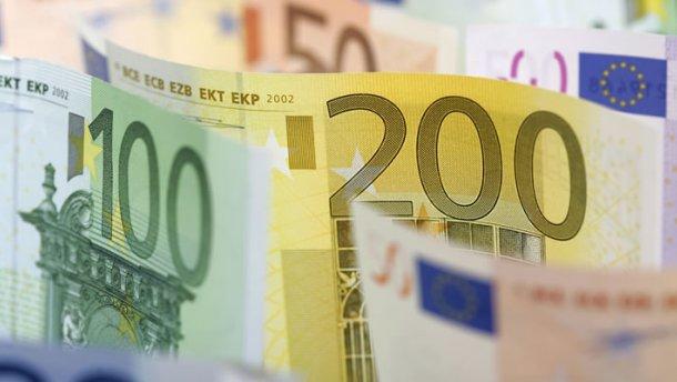 Готівковий курс валют 6 грудня: євро та долар стрімко падають