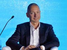 Борис Ложкин: Сегодня украинский бизнес на мировых рынках представлен преимущественно экспортом сырья, товаров и услуг