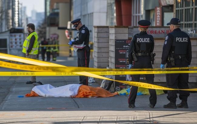 В Канаде в результате наезда не пешеходов погибли 10 человек