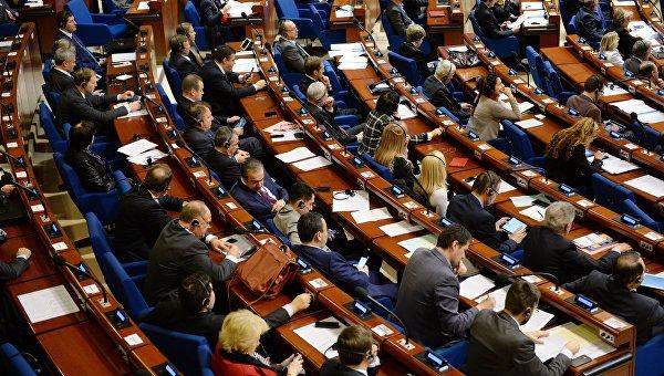 ПАСЕ призывает Украину и РФ решить вопрос с компенсациями переселенцам