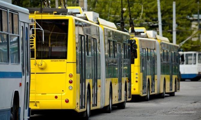 Киевсовет предлагает парламенту отменить бесплатный проезд для депутатов