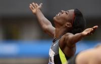 Бегунья пробежала 800-метровую дистанцию на пятом месяце беременности