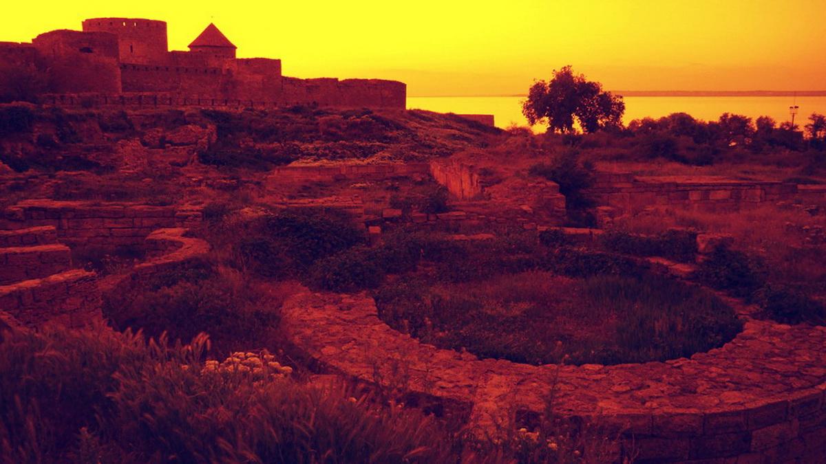 Мистические места Украины: Замок старого призрака и Заколдованная крепость — фото