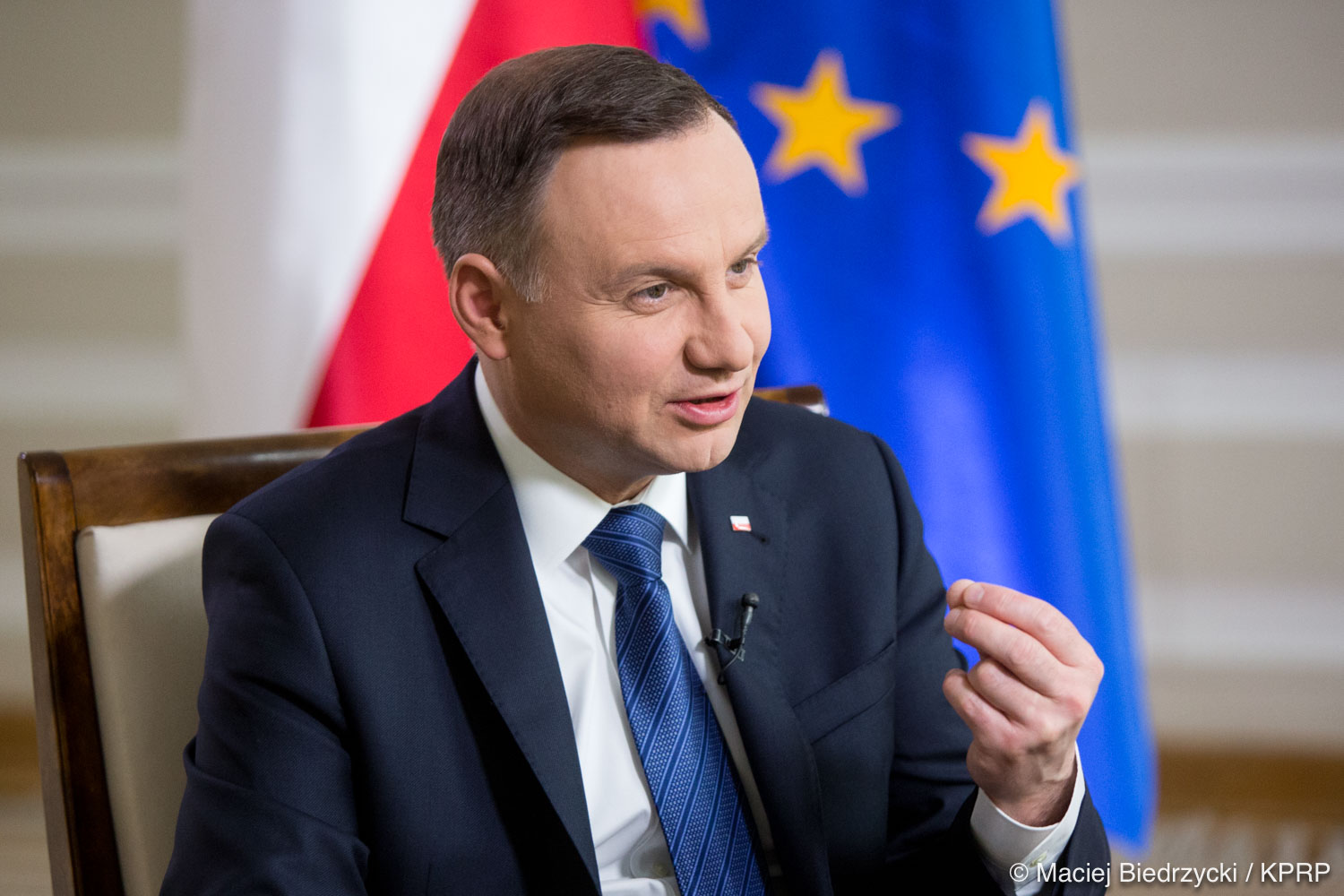 Polish president sets off on historic trip to Australia and New Zealand