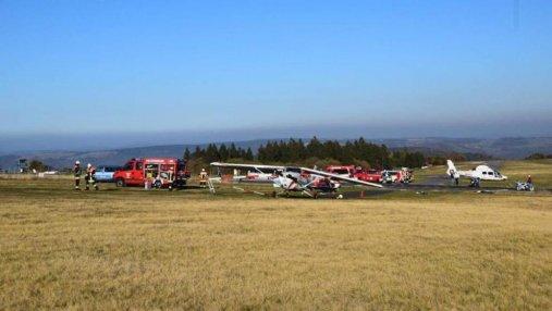 В Германии самолет упал в толпу людей: по меньшей мере 3 погибших, 8 раненых