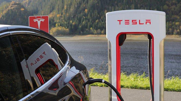 Tesla без водителя пересечет США