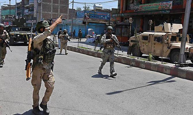 Сотни людей погибли в результате боев в афганском Газни