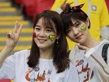 Отказ от показа женщин на трибунах в ФИФА назвали нормальной эволюцией