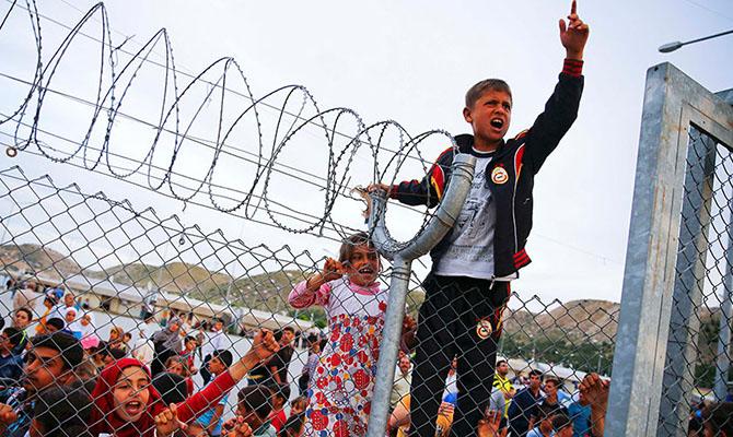 Guardian опубликовала список имен более 34 тыс. беженцев, погибших на пути в Европу