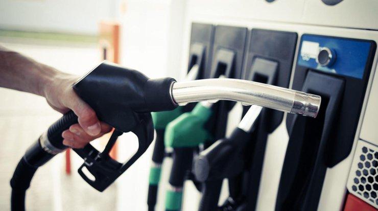 Цены на бензин в Украине стремительно снижаются