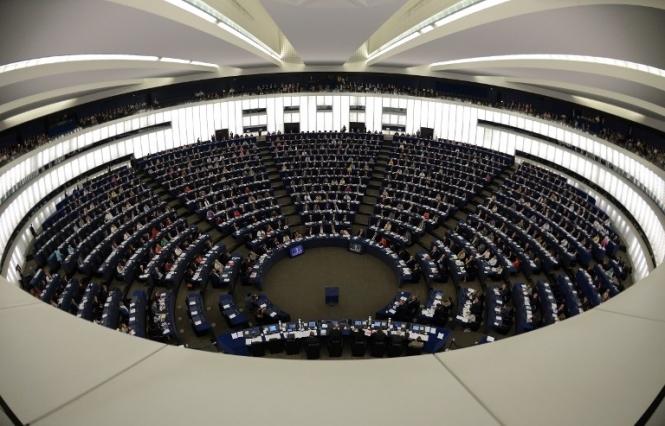 Европарламент одобрил предоставление Украине миллиарда евро финпомощи, - журналист