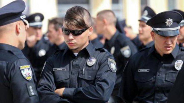 Лига чемпионов в Киеве: полицейским приказали разрисовывать лица