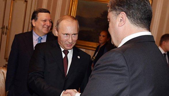 Песков рассказал о встречах Путина и Порошенко