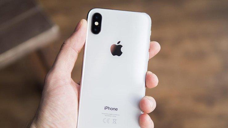 iPhone Х вспыхнул во время зарядки (фото)
