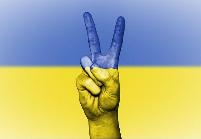 EU extends sanctions against Crimea