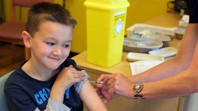 Более 2 тыс. киевлян сделали прививку от кори за два дня