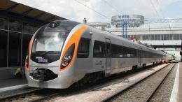 Укрзализныця запускает еще один поезд в Польшу