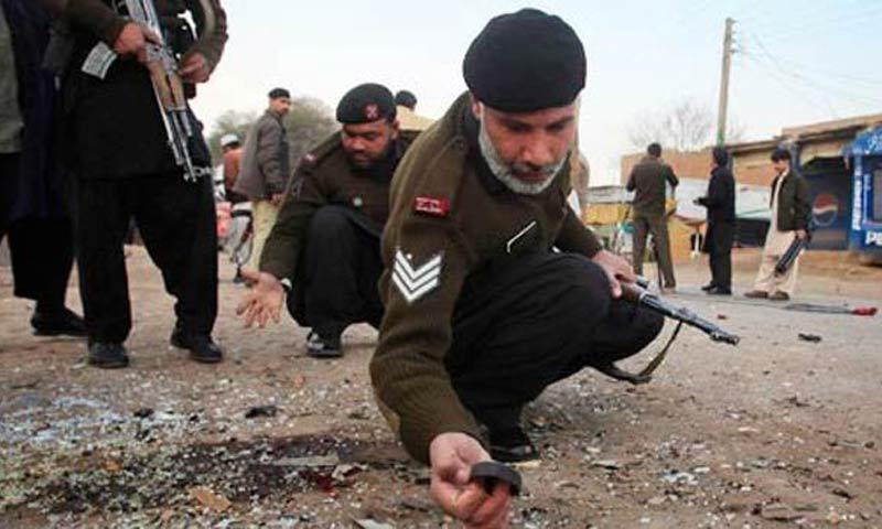 В Пакистане при взрыве бомбы-игрушки погибли шесть детей