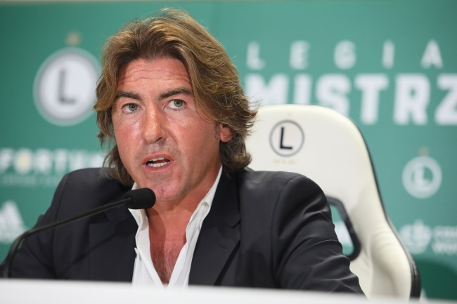 Football: Legia Warsaw hires Portuguese manager